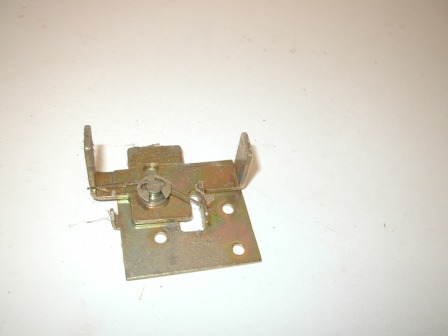 Rowe R-92 Jukebox Lower Door Side Latch (Item #130) $14.99